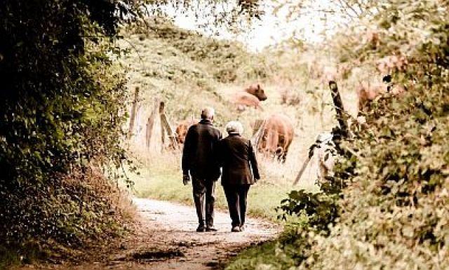 O segredo da lonxevidade nas Zonas Azuis: nove razóns para vivir máis