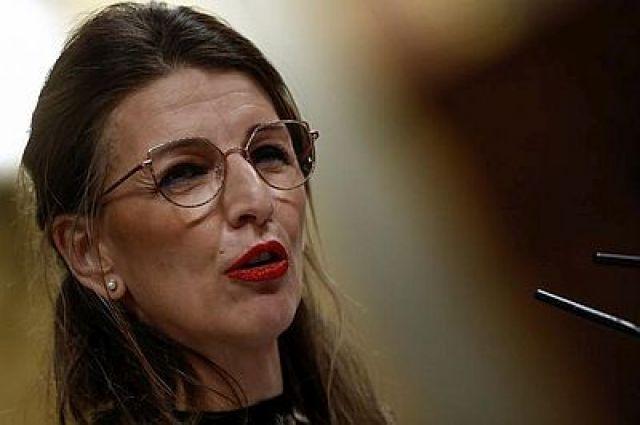"""Yolanda Díaz pide tranquilidade: """"Están a recoñecerse prestacións a un ritmo como nunca na historia de España"""""""