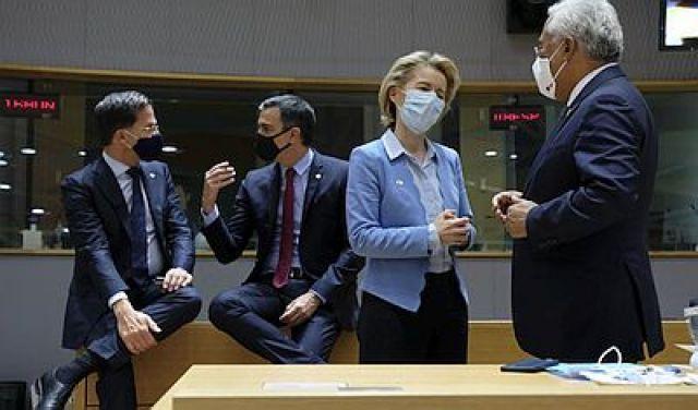 Histórico acordo na UE con 750.000 millóns para paliar a crise do coronavirus