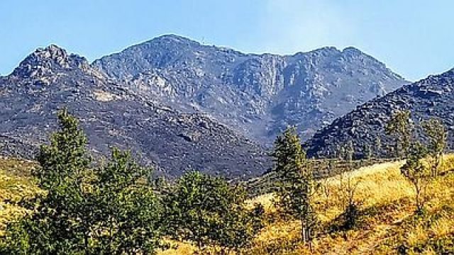 Os incendios devoran un dos grandes parques naturais galegos: o Xurés