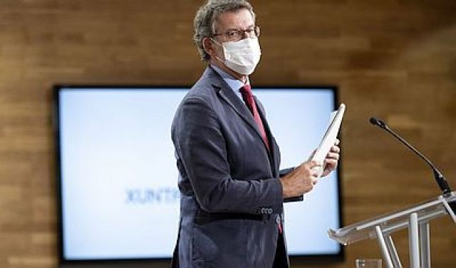 Feijóo recomenda máscara permanente na escola a partir dos 6 anos pero deixa en mans estatais que sexa unha obriga