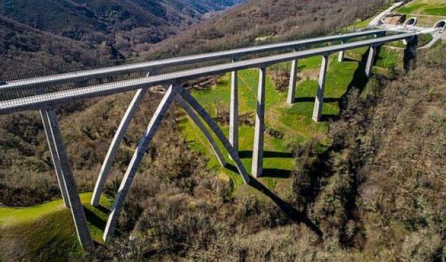 Os Orzamentos do Estado prevén un 29% máis de investimento en Galicia para 2022 malia á fin do AVE